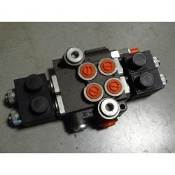 ROZDZIELACZ2E40 Rozdzielacz hydrauliczny dwusekcyjny sterowany elektrycznie (2 sekcje) 40L/min